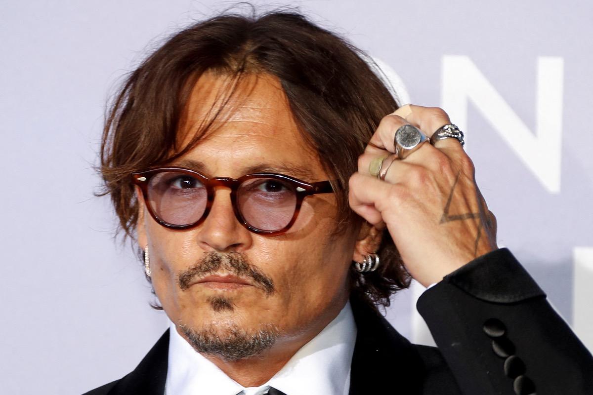 Provence : Johnny Depp met en vente son village provençale pour 45 millions d'euros - CNEWS