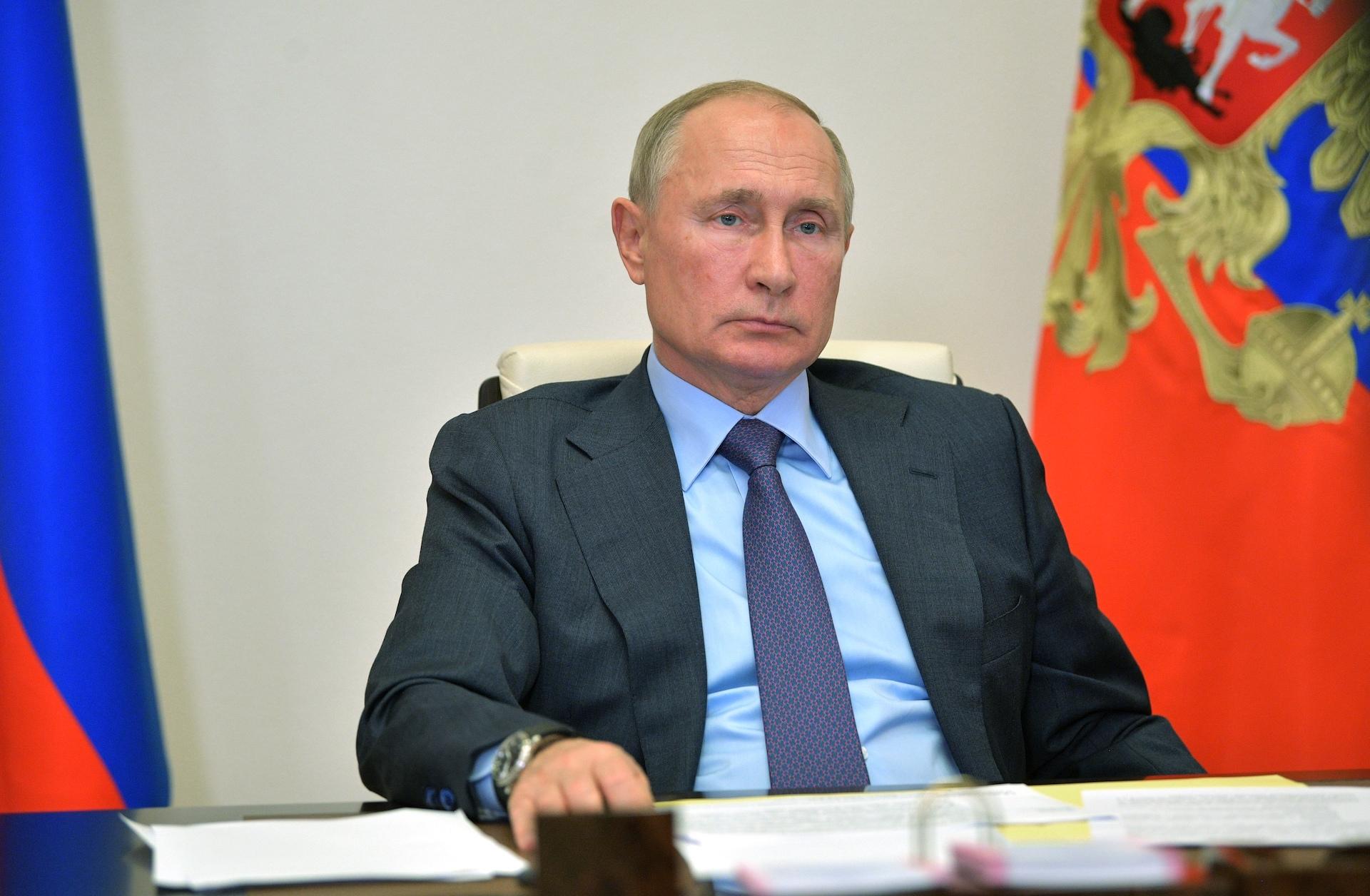 Tunnels désinfectant, quarantaine… Les mesures extrêmes prises par Poutine pour ne pas être contaminé par le coronavirus