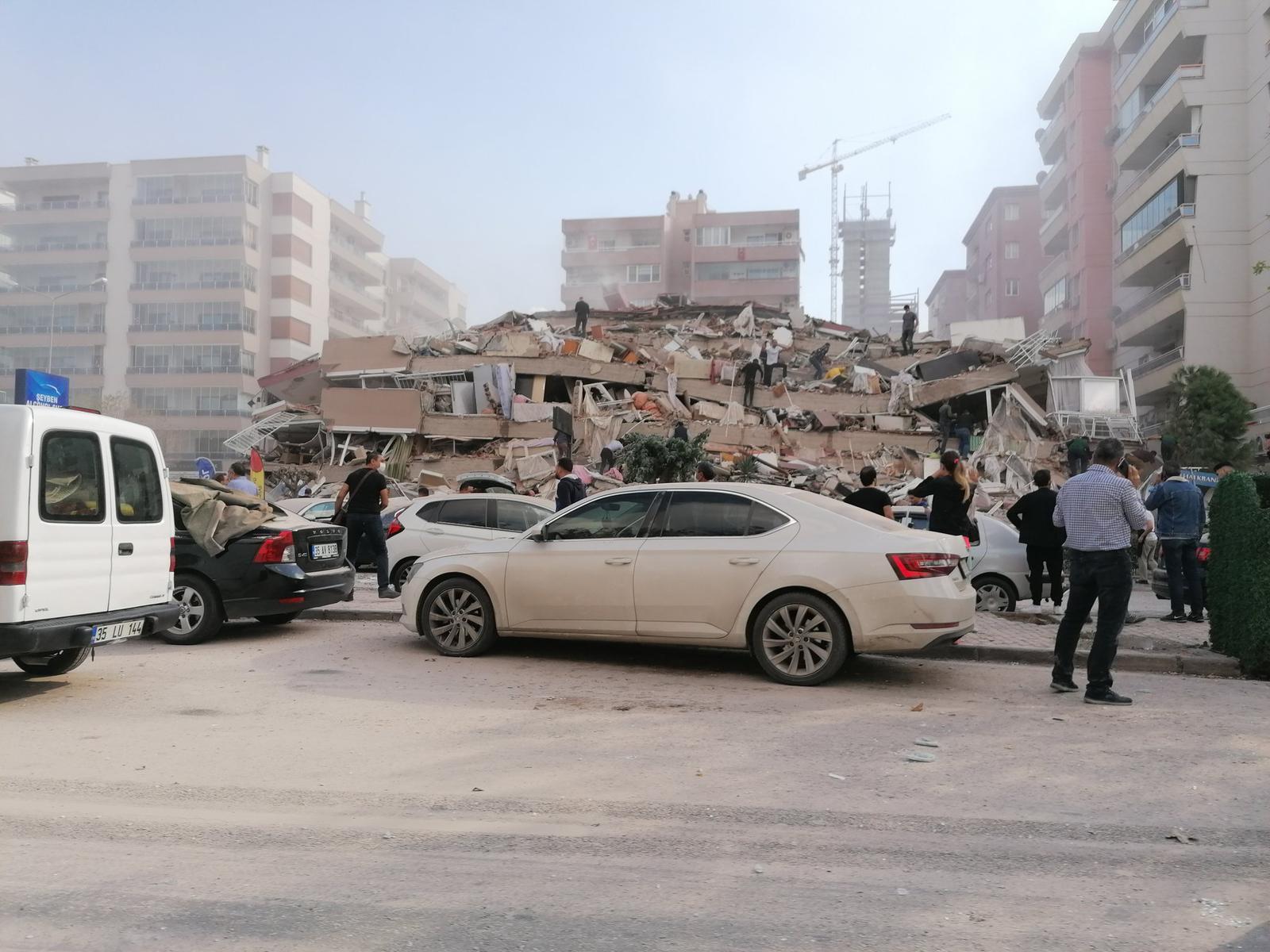 Vidéo : un séisme important fait des dégâts en Turquie et en Grèce