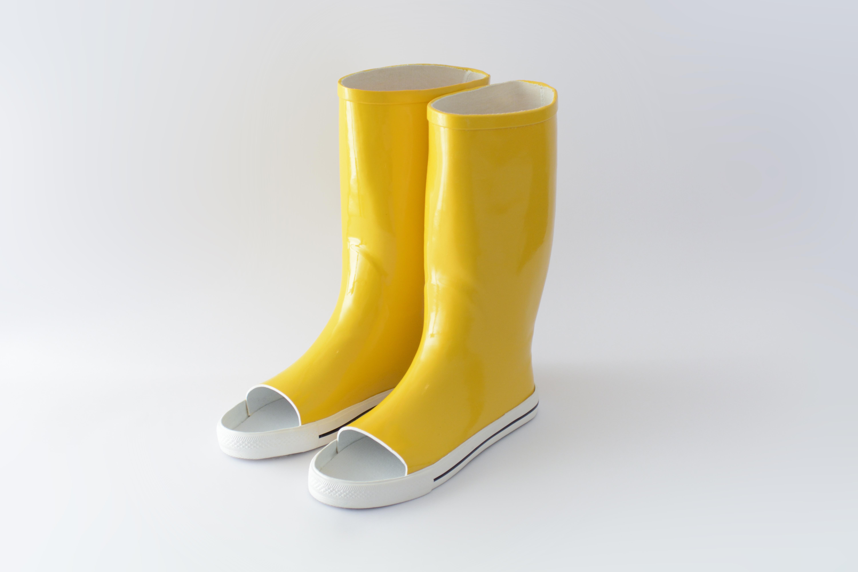 boots_c_katerina_kamprani_-_the_uncomfortable_5ddfeff64ddd3.jpg