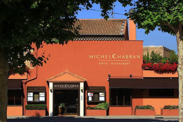 facade_restaurant_michel_chabran_cmoirenc_034085_5d727db417ab5.jpg