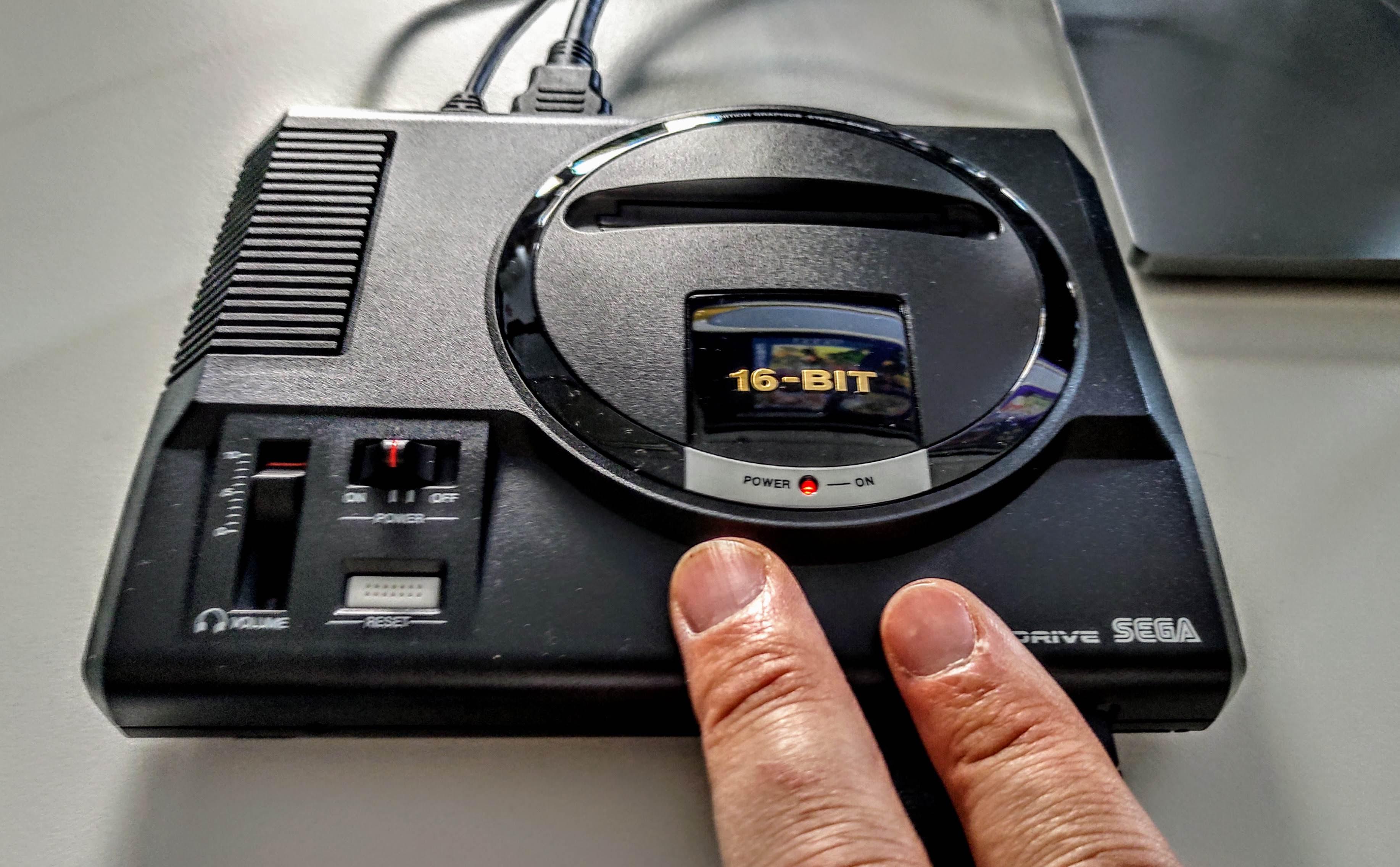 On a testé la Mega Drive Mini en avant-première | www cnews fr