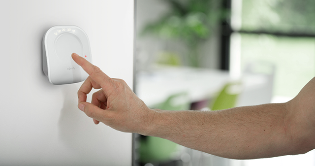 thermostat-connecte-tactile_5cee6643c865c.png