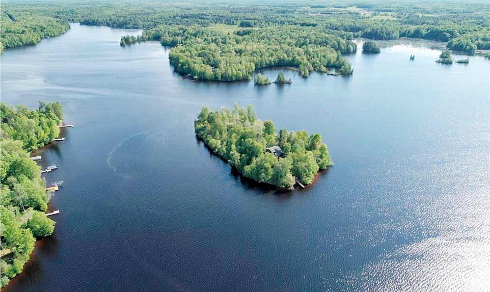 lake-winter-island-usa-01_5f69eef07b50d.jpg