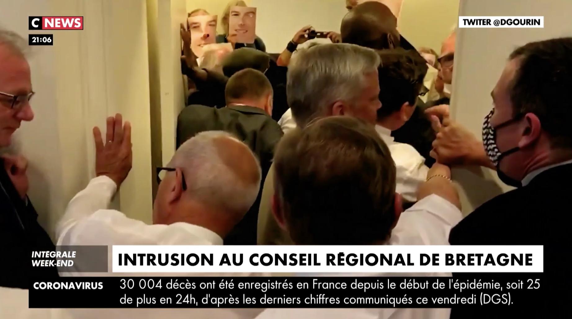 Vidéo : des militants anti-OGM s'introduisent violemment dans l'enceinte du Conseil régional de Bretagne