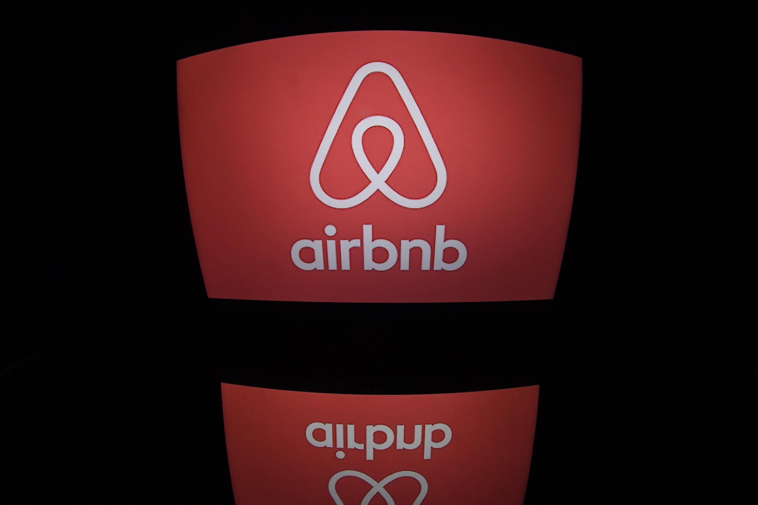 5.000 euros d'amende pour un commentaire raciste sur airbnb | www