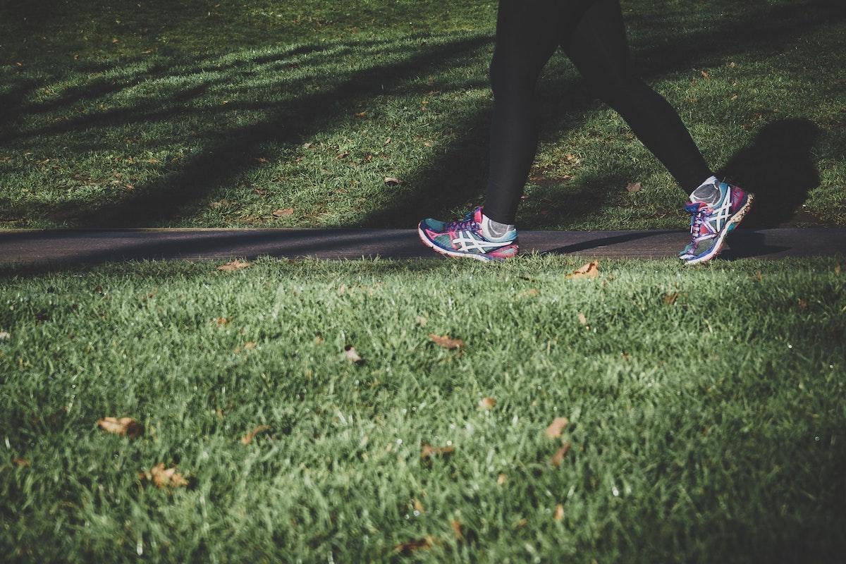 Voici combien de temps il faut marcher par jour pour maigrir
