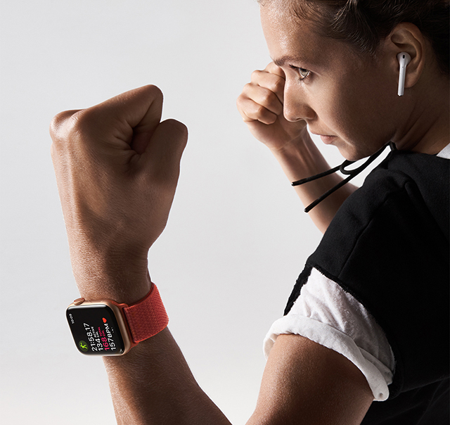 apple-watch-series4_boxer-lifestyle_09122018.jpg