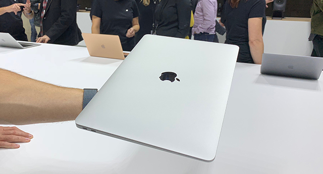 macbook_air_4.jpg