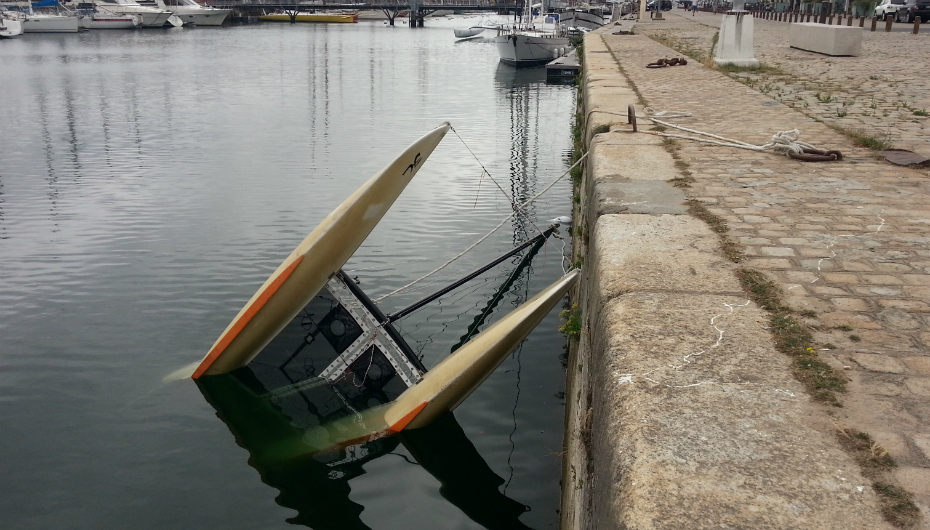 Ivres Des Marins D Eau Douce Volent Un Bateau Et Coulent Presque Aussitot Cnews