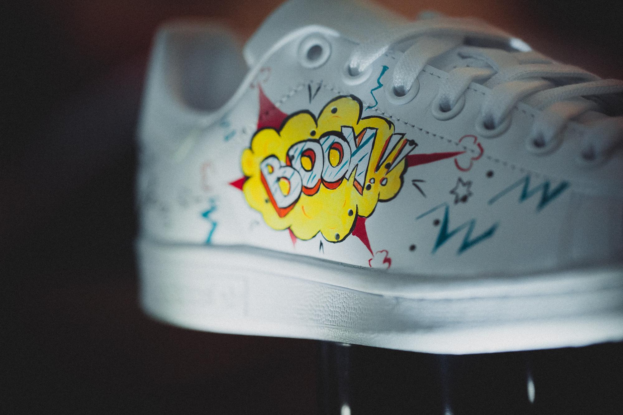 sneakers_customsation_comicslider_3.jpg