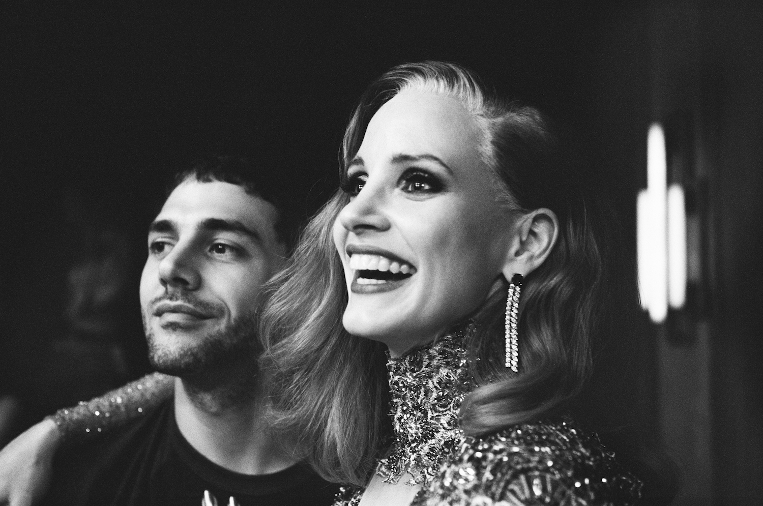 xavier-dolan-jessica-chastain-death-and-life-of-john-f-donovan-set.jpg