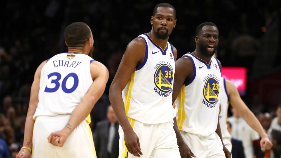 5bbbf17ced67 NBA Finals   les 5 choses à retenir sur le Game 3 entre les Warriors et les  Cavaliers