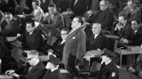 «La maison allemande» fait revivre l'année 1963 à Francfort-sur-le-Main en Allemagne où deux procès jugeant les crimes de dignitaires nazis se sont tenus