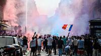 Face à la foule, la préfecture de police de Paris a décrété l'interdiction de circulation dans une grande partie de la ville.