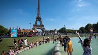 L'an passé déjà, les Parisiens et les touristes avaient trouvé de l'eau fraîche dans les Jardins du Trocadéro (16e).