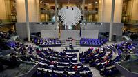 Au total, plusieurs centaines de membres des partis politiques allemands sont concernés, à l'exception du mouvement Alternative für Deutschland (AfD), l'extrême droite locale.
