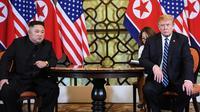 Kim Jong-un et Donald Trump lors de leur second sommet à Hanoï, au Vietnam, en février dernier.