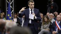 Emmanuel Macron lors du grand débat centré sur l'écologie à Gréoux-les-Bains (Alpes-de-Haute-Provence)