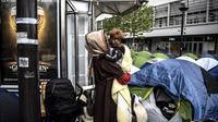 Mi-avril, un centre d'accueil de jour pour migrants pourrait ouvrir porte de la Chapelle.