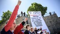 Le 14 mai dernier, un mois avant la grève nationale, des femmes avaient déjà manifesté à Lausanne pour réclamer l'égalité des sexes.