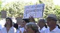 Des manifestants qui demandent une meilleure reconnaissance de la maladie de Lyme en France