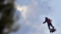Après son échec la semaine dernière, Franky Zapata s'élancera de nouveau dimanche pour tenter de traverser la Manche sur son «Flyboard».