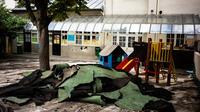 Début août, la cour de récréation de l'école Saint-Benoît (5e) avait dû être entièrement refaite.