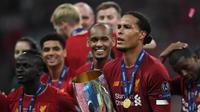 Virgil van Dijk, vainqueur de la Ligue des champions avec Liverpool, a été nommé joueur UEFA de la saison écoulée devant Lionel Messi et Cristiano Ronaldo.