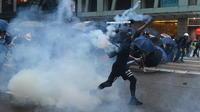 Manifestations, gaz lacrymogènes et force de l'ordre, un cocktail quasi quotidien à Hong Kong