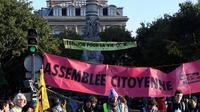Les militants d'Extinction Rebellion, le 10 octobre sur la place du Chatelet.