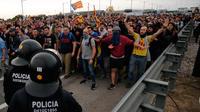 Des autoroutes, un aéroport ou des lignes de trains ont été perturbés par des manifestations