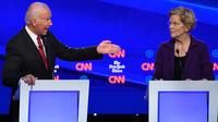Joe Biden profite de ne plus être la cible privilégiée pour s'en prendre à Elizabeth Warren