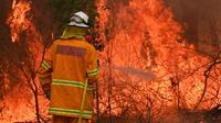 Au total, le jeune pompier de 19 ans est accusé d'avoir allumé sept incendies en l'espace de six semaines.