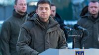 Le président Zelensky, fraichement élu, doit faire face à Vladimir Poutine à Paris