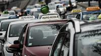 Les patrons d'auto-écoles ont prévu de perturber le trafic mardi 18 avril pour dénoncer l'uberisation de leur profession.