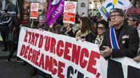 En janvier 2016, le CCIF avait été à l'origine d'une manifestation à Paris contre l'inscription de l'état d'urgence et de la déchéance de nationalité dans la Constitution.