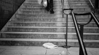 Des sacs plastiques abandonnés dans une rue [Jean-Philippe Ksiazek / AFP/Archives]