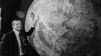 Des autographes de Neil Armstrong, premier homme à avoir marché sur la Lune, sont mis aux enchères cette semaine par une société de Los Angeles, en Californie, seulement quelques jours après son décès.[AFP]