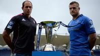 Le capitaine du Stade Français Sergio Parisse et celui du Leinster Jamie Heaslip (à droite) posent avec la coupe du Challenge européen, le 16 mai 2013 à Dublin [Lionel Bonaventure / AFP]