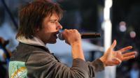 Le chanteur Orelsan sur scène lors d'une émission télévisée pendant le festival de Cannes, le 19 mai 2012 [Loic Venance / AFP/Archives]