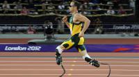 Le sprinteur sud-africain Oscar Pistorius lors d'une course sur 400m aux Jeux paralympiques de Londres, en septembre 2012 [Glyn Kirk / AFP/Archives]