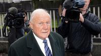 L'ex présentateur de la BBC Stuart Hall, le 7 janvier 2013 à Preston dans le nord-ouest de l'Angleterre [Paul Ellis / AFP/Archives]
