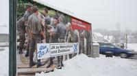 Un panneau de publicité pour la conscription dans l'armée autrichienne, à Vienne, le 20 janvier 2013 [Dieter Nagl / AFP]