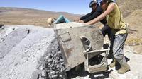 Le gouvernement bolivien a annoncé jeudi qu'il prenait le contrôle d'un gisement d'argent et d'indium exploité depuis 2007 par une filiale de la compagnie canadienne South American Silver.[AFP]