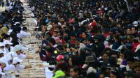 Des dizaines de milliers de personnes ont dévoré la traditionelle galette des rois à Mexico, le 3 janvier 2013 [Alfredo Estrella / AFP]