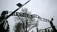 L'entrée de l'ancien camp d'extermination d'Auschwitz, en Pologne [Dimitar Dilkoff / AFP/Archives]