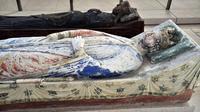 Le gisant de Richard Cœur de Lion (au premier plan) à l'abbaye de Fontevraud, dans l'ouest de la France [Frank Perry / AFP/Archives]