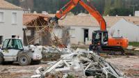 Destruction le 31 mars 2011 d'habitations endommagées par la tempête Xynthia [Frank Perry / AFP/Archives]