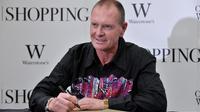 L'ancien joueur anglais Paul Gascoigne, lors d'une séance de dédicace d'un livre, le 13 octobre 2011 à Londres. [Ben Stansall / AFP/Archives]